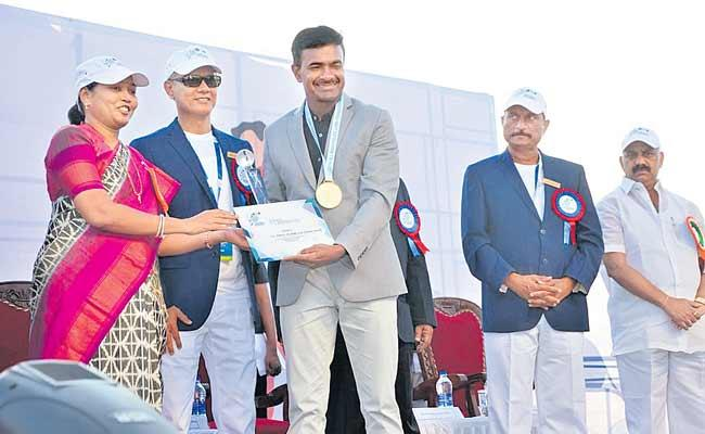 CISF Wins All India Police Lawn Tennis Championship - Sakshi