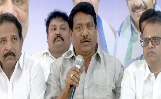 The Hudhud Storm Came With Lies : YSRCP Leader Koyya Prasad Reddy - Sakshi