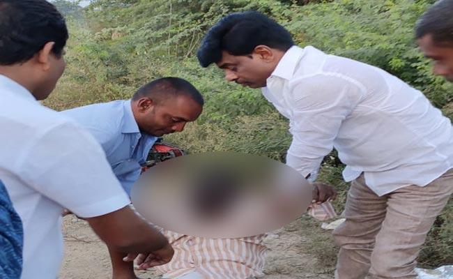 Gorantla Madhav Give Magnanimity To Road Accident Man - Sakshi