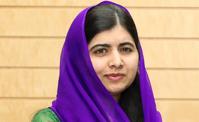 Malala Yousafzai Most Famous Teeneger In Decade UN Declare - Sakshi
