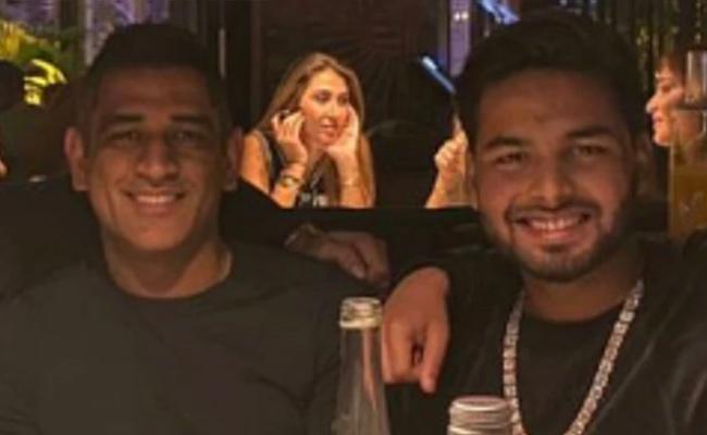 Rishabh Pant Celebrates Christmas With Dhoni in Dubai - Sakshi