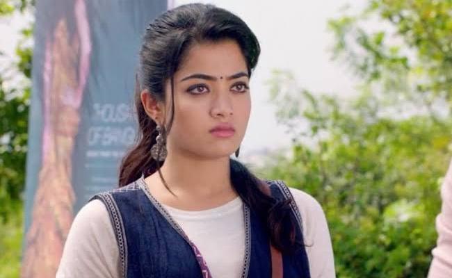 Rashmika Mandanna Clarifies About Her Engagement Breakup - Sakshi