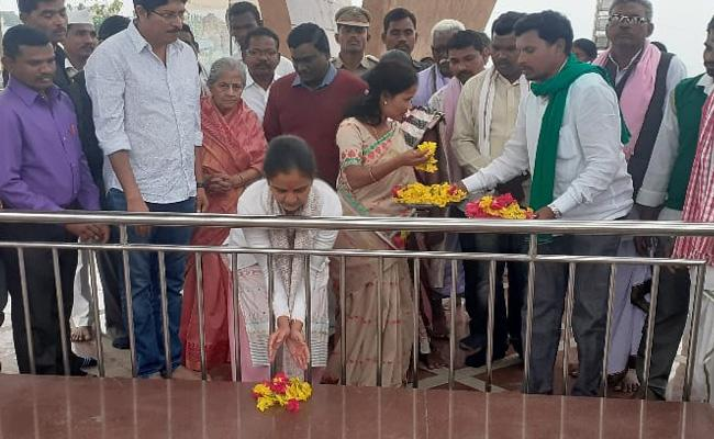 Adilabad Collector Who Visited Jodeghat With Family Members - Sakshi