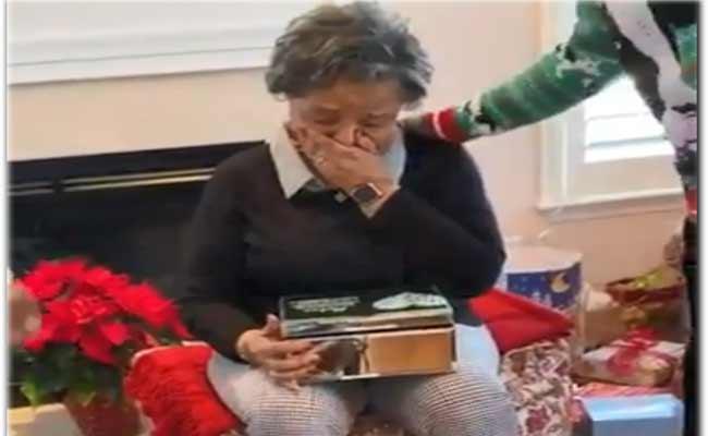 Family Gifts Grandma Late Husband Old Letters Became Viral - Sakshi