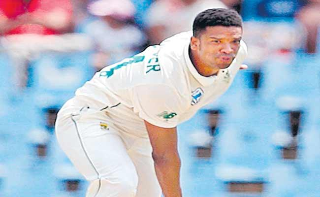 South Africa Lead by 175 After England Collapse  - Sakshi