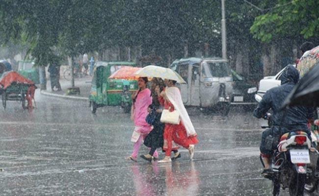 Mild To Moderate Rains Tomorrow In Telangana - Sakshi