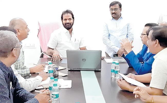 Kite Events On 13th January In Hyderabad Says Srinivas Goud - Sakshi