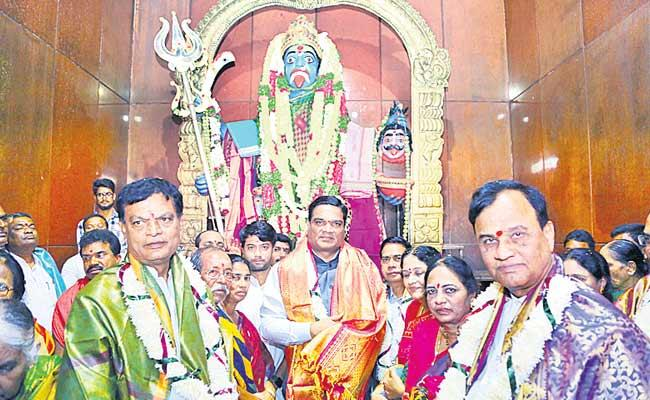 Supreme Court Judge Visits Gandi Maisamma Temple At Rangareddy District - Sakshi
