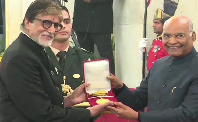 Amitabh Bachchan Receives Dadasaheb Phalke Award - Sakshi