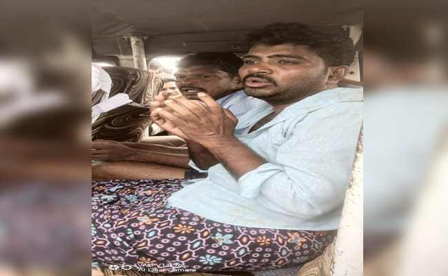 7 Years Boy Kidnaped In Guntakallu  - Sakshi