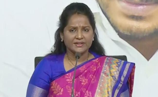 MLA Sridevi Claims That Chandrababu Cheated People - Sakshi