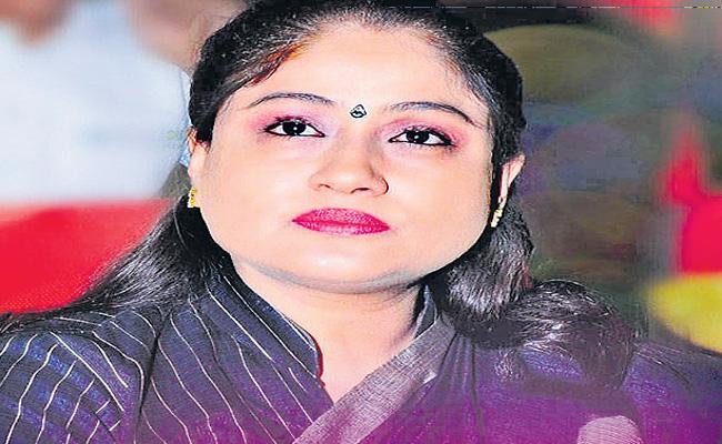 Vijayashanthi Fires On CM KCR Over Priyanka Case - Sakshi