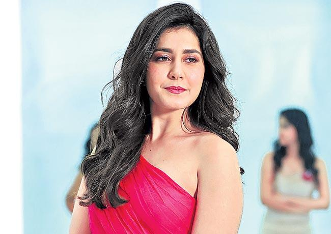 Rashi Khanna says We have to fight with ourselves - Sakshi