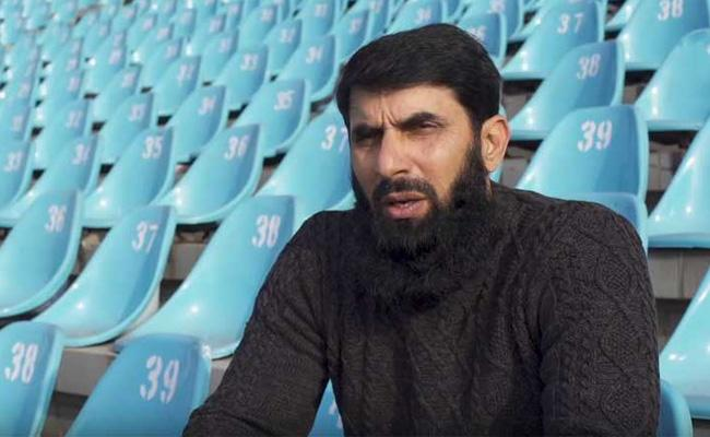 Pakistan Coach Misbah Says It Was A Tough Year In Tests - Sakshi