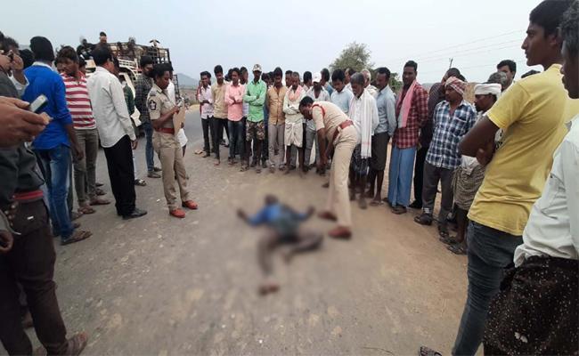 Tenant farmer Murdered in Prakasam - Sakshi