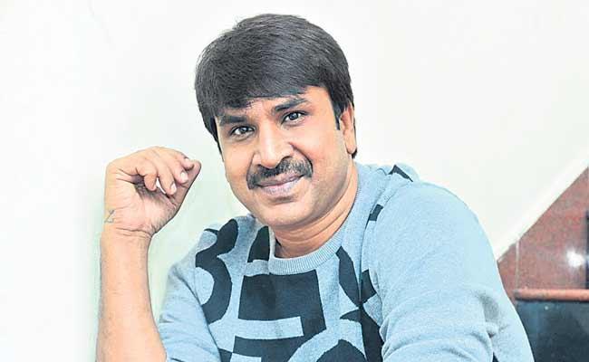 Bhagyanagara Veedhullo Gammattu Movie Srinivasa Reddy First Directorial - Sakshi