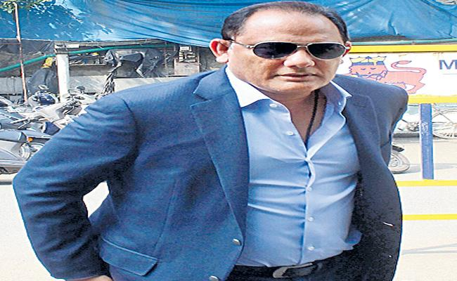 BCCI Pays RS1.5Crores To Azhar - Sakshi