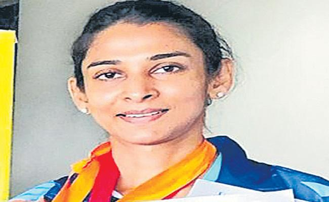 Divya Reddy Wins Two Medals In Asian Masters Athletics - Sakshi