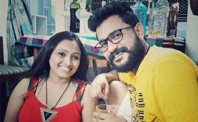 TV Actor Wife Complaint on Husband in Tamil nadu - Sakshi