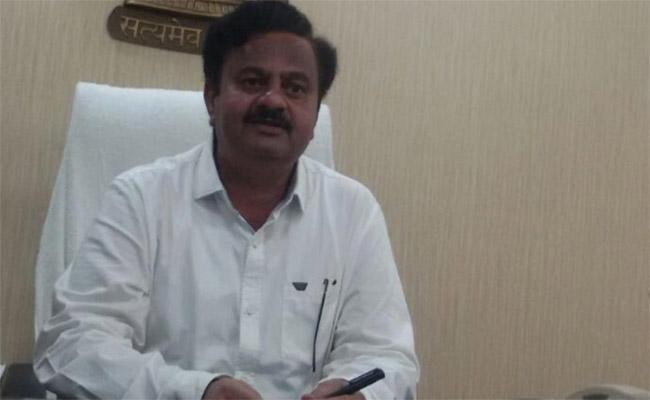 Do Not Give Money to Anyone : Vizianagaram JC - Sakshi