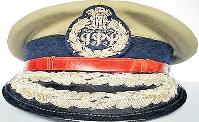 Youth Showing Interest to Join In Police Department In Telangana - Sakshi
