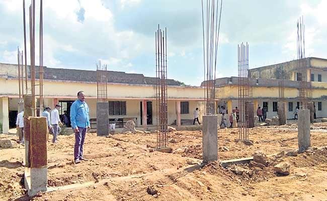 Older Student Repaired The School With Wedding Expenses - Sakshi