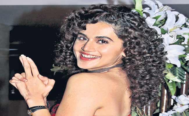 Taapsee Pannu To Star In Biopic Of Cricketer Mithali Raj  - Sakshi