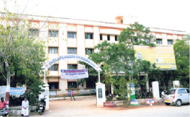 Senior Assistant Corruption in Health Department Anantapur - Sakshi