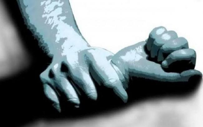 Schoolgirl molestation by CRPF jawan, three others in Uttar Pradesh - Sakshi