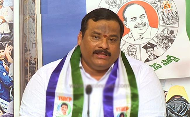 Telangana YSRCP President Gattu Srikanth Reddy Reacts To The Hyderabad Encounter - Sakshi