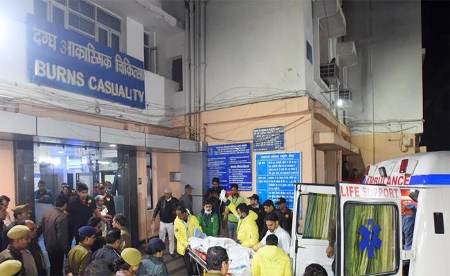 Unnao Rape Survivor with 90 Percentage Burns, being Treated At Delhi Hospital - Sakshi