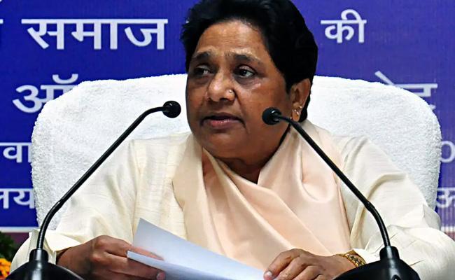 Mayawati Respond On Disha Accused Encounter - Sakshi