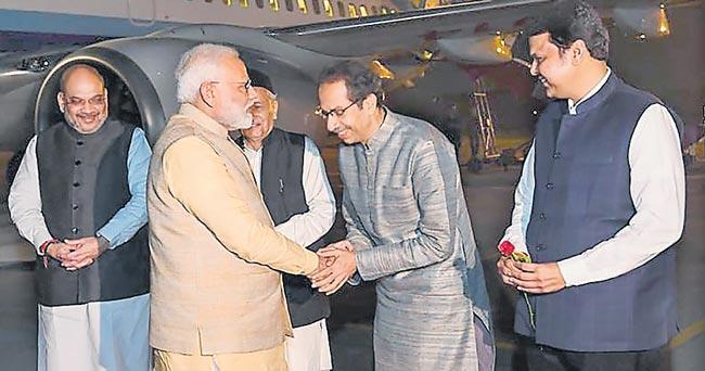 PM Nrendra Modi meets Mauritius PM Pravind Jugnauth in Delhi - Sakshi