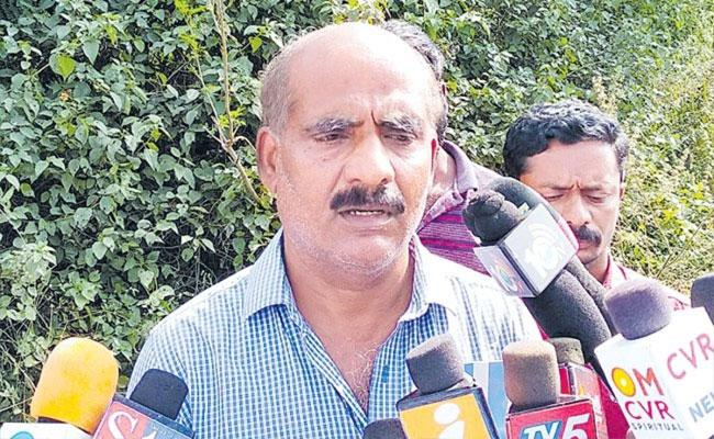 Disha Father Sridhar Reddy Comments About Daughter Death  - Sakshi