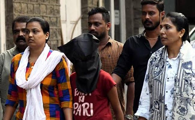 Young Girl Killed Her Adoptive Father With Minor Boyfriend - Sakshi
