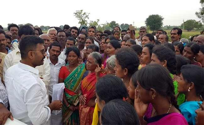 Kethireddy Venkatarami Reddy Said Help To Chitravathi Reservoir People - Sakshi