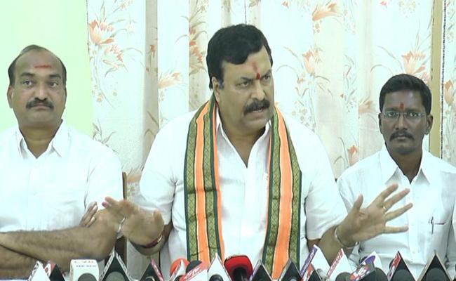 Ponguleti Sudhakar Reddy Comments On TRS Government - Sakshi