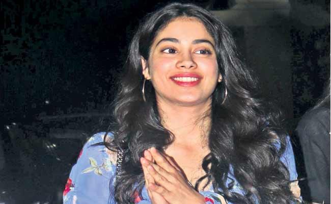 Janhvi Kapoor And Vijay Varma To Star In Netflix Ghost Stories - Sakshi