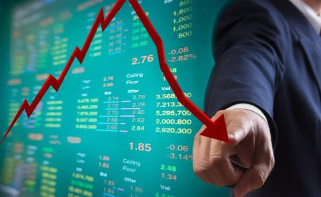 Major indices slip into the red in opening - Sakshi