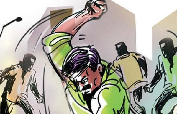 Madhya Pradesh Man Caught With Lover At Her In Laws Home - Sakshi