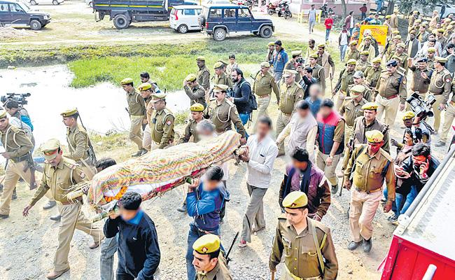 Last Trip Between Police Security Of Unnao Victims - Sakshi