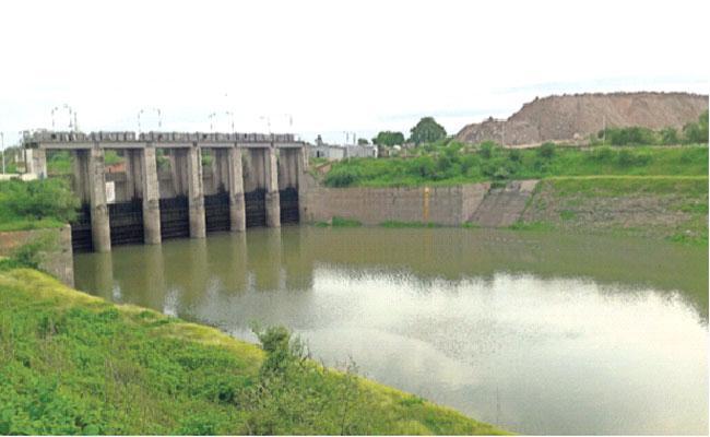 Fishermen Agitation On Sriram Sagar Water Release - Sakshi
