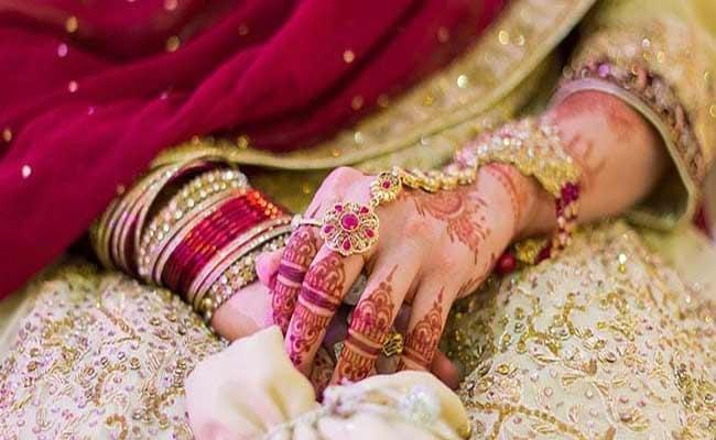 UP Bride Married Herself A New Man After Baarat Arrives Late - Sakshi