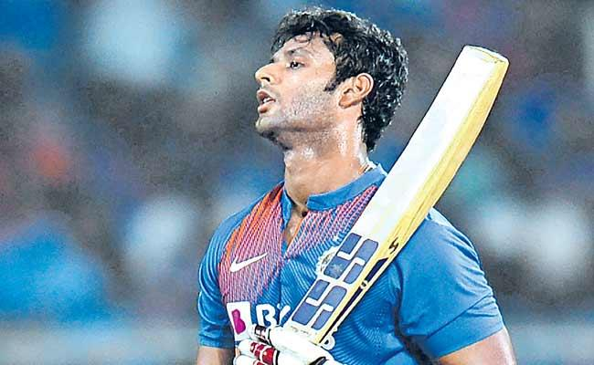 West Indies Beat India By 8 Wickets In 2nd T20  - Sakshi
