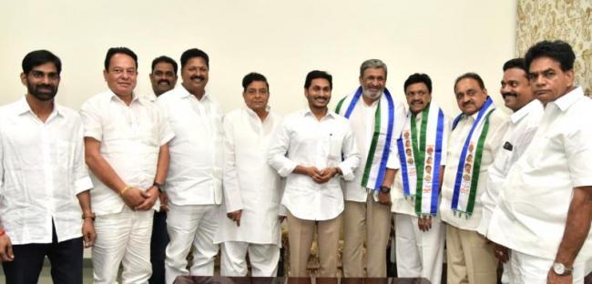 Gokaraju Rangaraju Joins YSR Congress Party - Sakshi