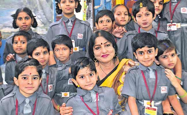 Geeta Mishra Takes Care Of The Orphaned Child - Sakshi