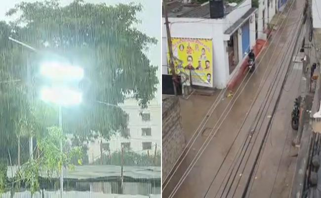 Heavy Rains Lash Hyderabad - Sakshi