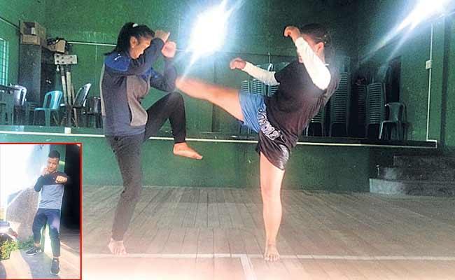 Younger Man Kickboxing Classes For Girls - Sakshi