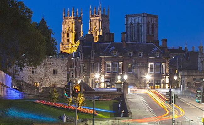 York to Ban Private Car Journeys From City Centre - Sakshi