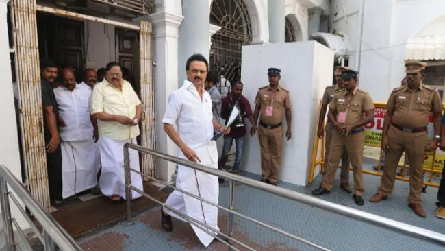 MK Stalin Ask Government Use CRPF To Protect Students - Sakshi